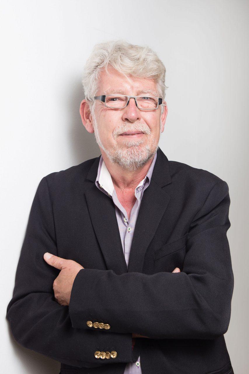 Dr. Mario Scheib